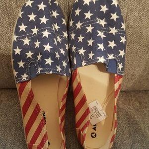 *NWT* Patriotic Airwalk Slip-On Canvas Shoes